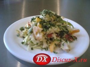 Салат из сыра и сладкого перца